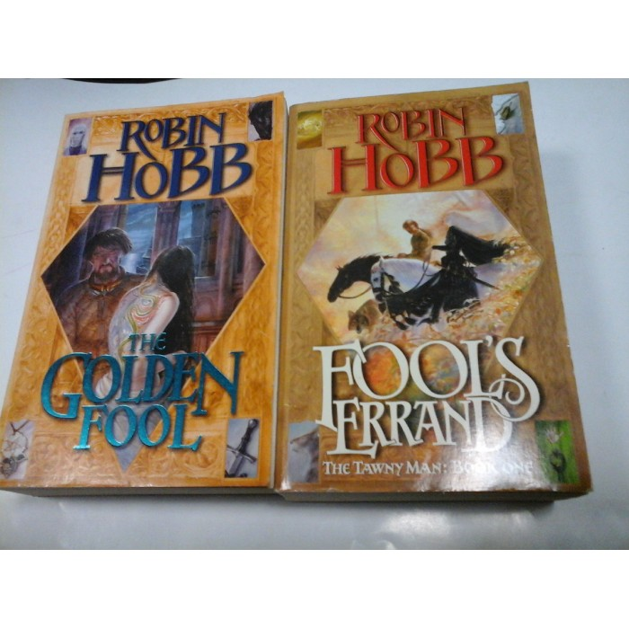 seria THE TAWNY MAN - ROBIN HOBB - 2 volume